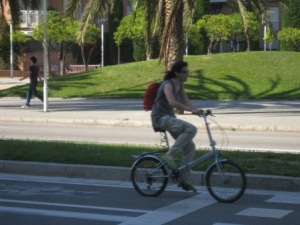 Chica barcelona bicicleta