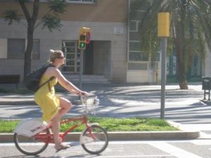 Mujer Barcelona bicicleta