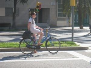mujer bicicleta